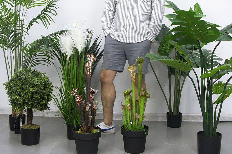 macetas y plantas artificiales